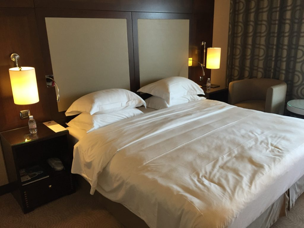 hyatt_nice bed