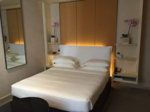 park_hyatt-milan_bed