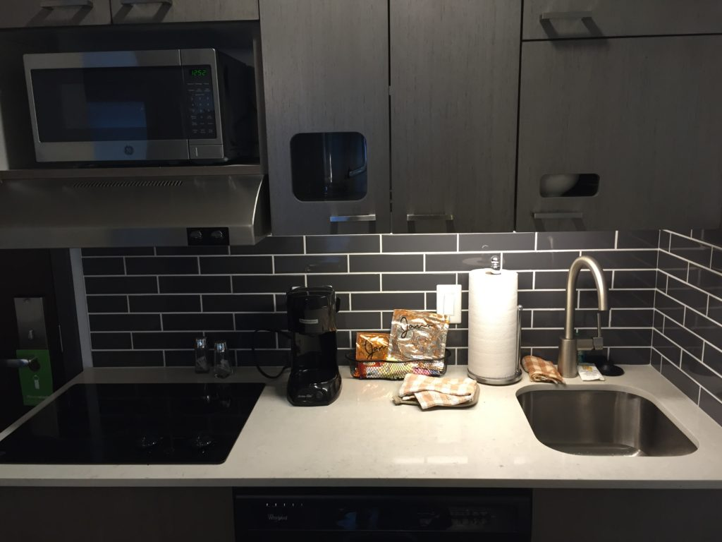 Hyatt House Portland - Kitchen